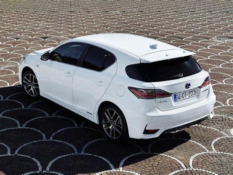 lexus ct200h white lexus ct 200h 1 8 premier cvt auto acc pcs car leasing