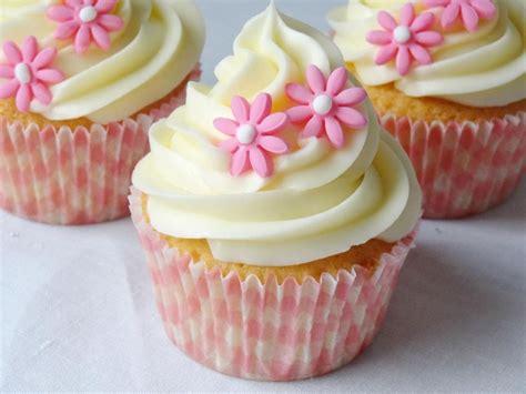 decorar cup cakes faciles recetario de cupcakes tecnica de relleno y topping