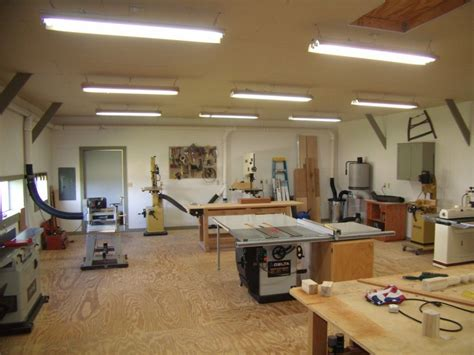 small woodworking shop layout helps you to set up your