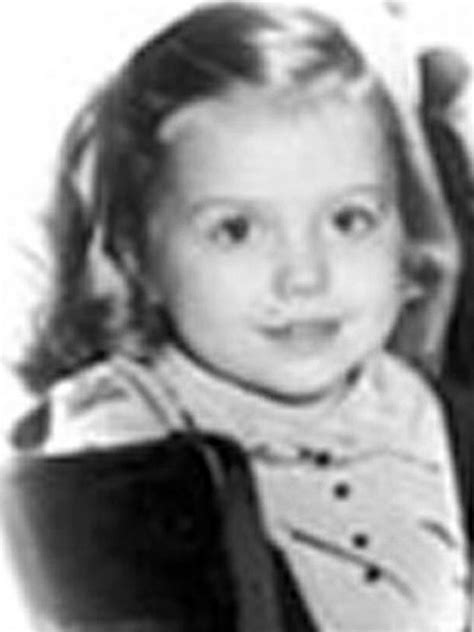 clinton s childhood hilary clinton childhood photos when they were children danes