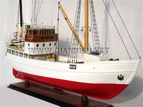 Model Custom Ship Polarbjorn