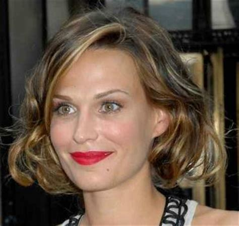 below chin length layered hairstyles how to cut shag and bob hairstyles ehow html autos weblog