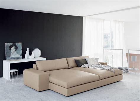 divani in pelle o eco pelle caratteristiche