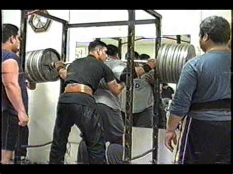 bench press 1000 pounds freddee lopez squatting benching 1 000 lbs youtube