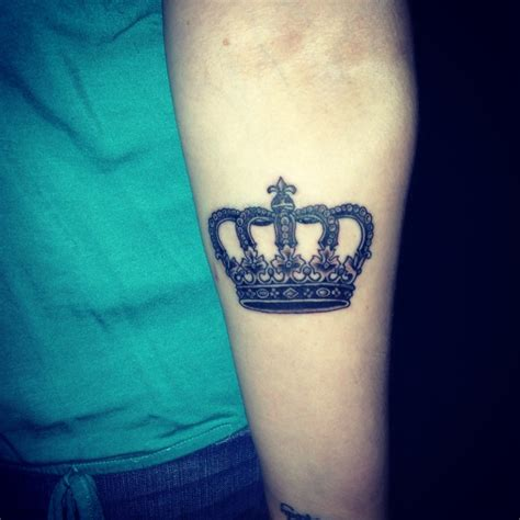 queen tattoo photo my newest tattoo i m his queen tattoo pinterest