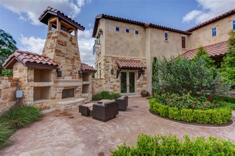 homes with courtyards hill country tuscan home with courtyard mediterranean