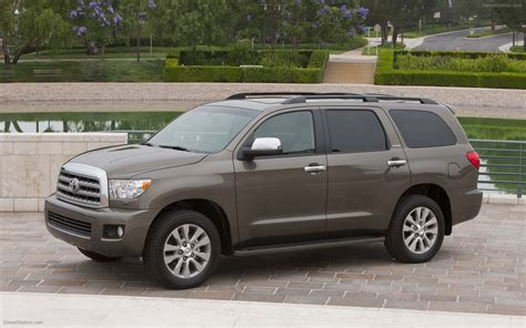 toyota sequoia toyota sequoia 2011 widescreen car photo 11 of 34