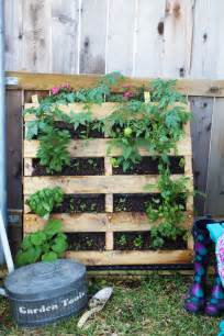 How To Build A Vertical Herb Garden How To Make A Vertical Pallet Vegetable Herb Garden