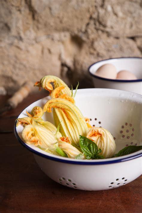 forno co di fiori fiori di zucchina al forno ripieni di provola dolce e
