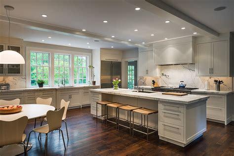 Attrayant Mobel Martin Cuisine #3: idee-deco-cuisine-ouverte-sur-salon-avec-argent.jpg