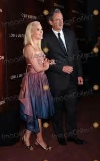 Johansson Hosts Louis Vuitton by Photos And Pictures Johansson Marc