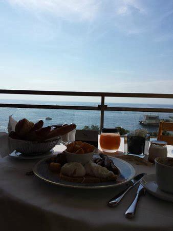 monte carlo room service from the pool looking foto di fairmont monte carlo monte carlo tripadvisor