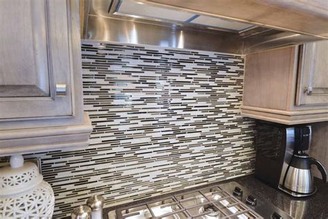 horizontal tile backsplash contemporary horizontal glass tile backsplash design