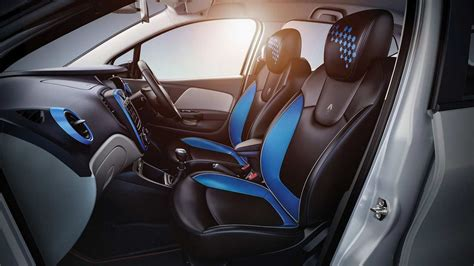renault captur interior 2017 renault captur blue urban connect interior 2017 autobics