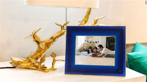 Aura Photo Frame
