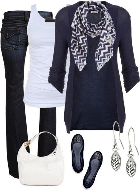 7 Scarf Styles For Fall by Can T Go Wrong With Black And White Clothing Shoes