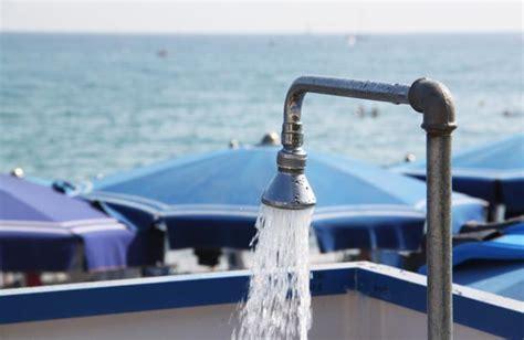 doccia fredda docce in spiaggia quelle fredde sono gratis prima