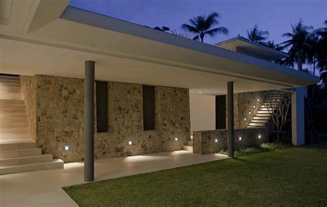 Outdoor Canister Lights Outdoor Recessed Soffit Lighting Toronto Eavestroughing Led Recessed Soffit Lighting Potlights