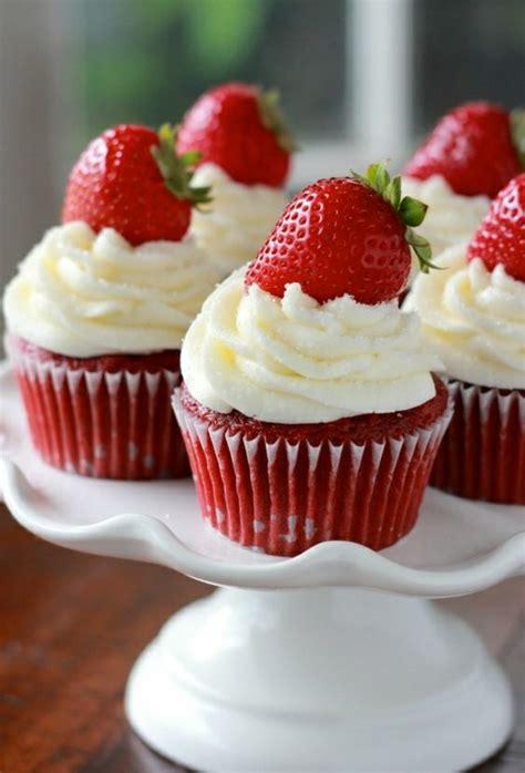 erdbeeren im kuchen mitbacken erdbeert 246 rtchen backen cupcakes rezepte zu ostern