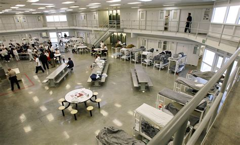 Ccdc Court Search Immigration Detainees Continue Hunger Strike At Wash