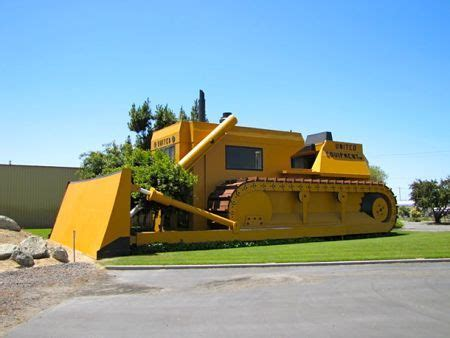 Landscape Supply Turlock Ca Funzug 10 Cool Buildings Shaped Like Their Company
