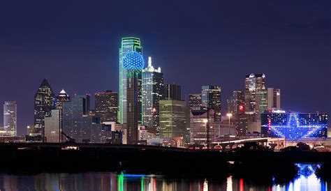 Home Decor Dallas Texas by Dallas Skyline Cowboys Photograph By Rospotte Photography