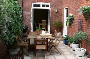 outdoor design ideas for small outdoor space 5 plants for small outdoor spaces