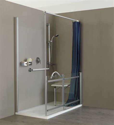 box doccia con sedile una doccia senza barriere con preziosi ausili e un