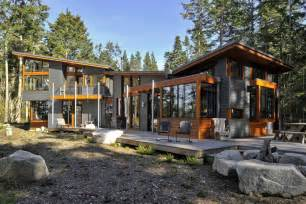 The overall of this contemporary dream house design is very impressive