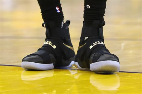 lebron playoff shoes breaking every shoe worn by the king in 2016 nba