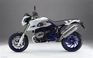 Bmw Hp Bmw Hp2 Megamoto Widescreen Bike Picture 01 Of 16