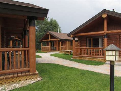 beartooth hideaway inn cabins lodge montana