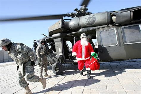 santa claus usa army send a message to the troops ny daily news