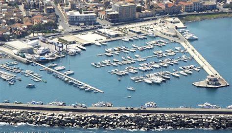 porto riposto posti barca marina cantiere marina di riposto riposto