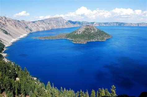 the 10 most beautiful lakes in the usa