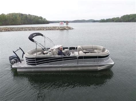used pontoon boats gainesville ga 2016 berkshire pontoons 25e sts 25 foot 2016 boat in