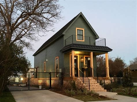 fixer upper show house for sale hgtv fixer upper homes being rented candysdirt com