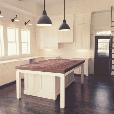 ready made kitchen islands 25 best ideas about island table on pinterest