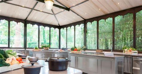 les ecoles de cuisine en marbre gris de prestige