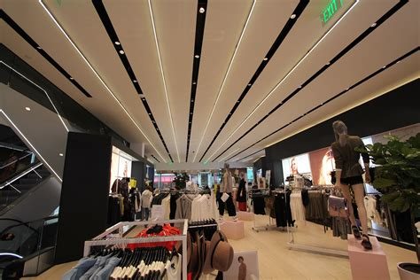 Topshop New York by Topshop Fifth Avenue New York City Ilight Technologies