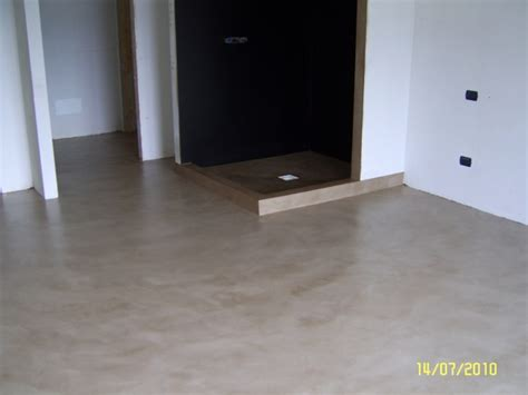 interno doccia foto pavimento piatto doccia e interno doccia in resina