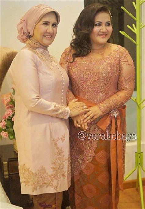 Busana Gamis Muslimah Batik Tenun Rang Rang Biru Muda contoh model kebaya modern populer untuk wanita gemuk