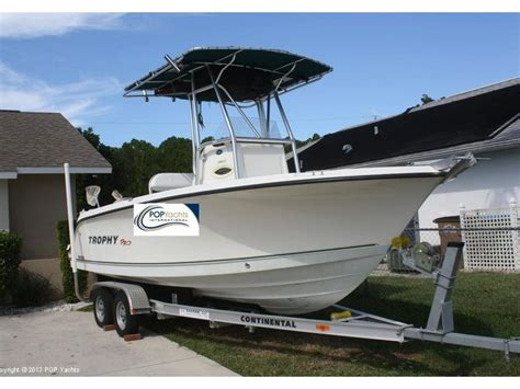 trophy center console boats reviews trophy 2103 pro center console in florida day fishing