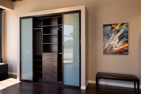 Bedroom Closet Doors 3 Ideas To Replace The Bedroom S Closet Door With New One Modern Doors For Houses