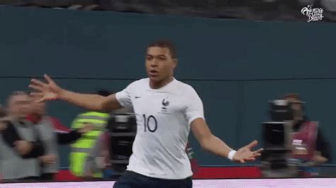 kylian mbappe gif kylian mbappe gifs get the best gif on giphy