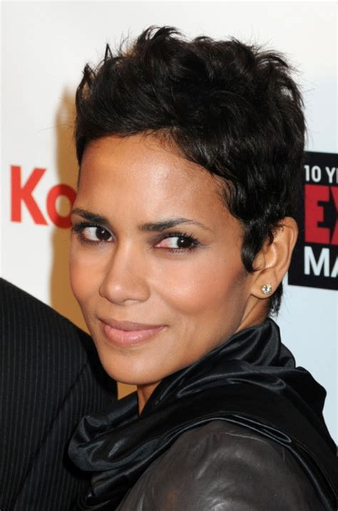 nice hairstyle for short medium hair with one hair band nice short hairstyles for black women