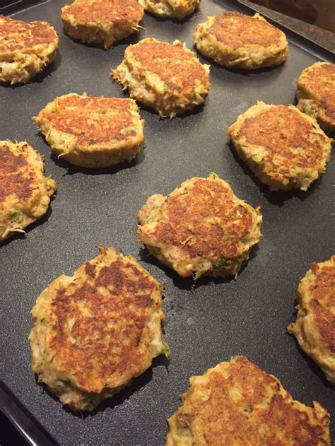 easy crab cake recipe best 20 homemade crab cakes ideas on pinterest crab