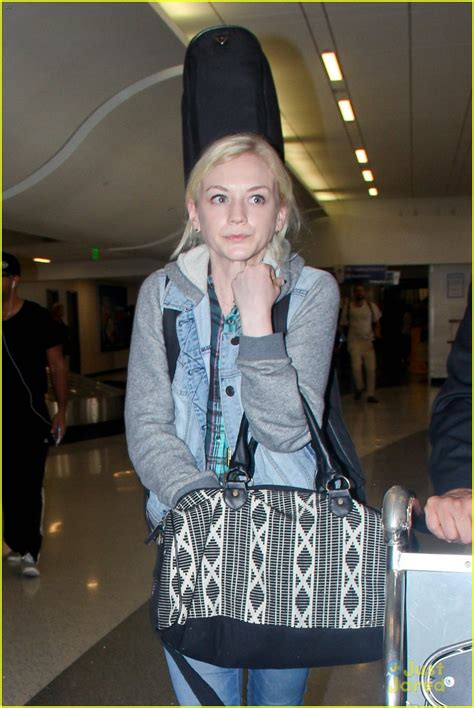 emily kinney talks about her music and how walking dead producers the walking dead s emily kinney reveals hardest thing