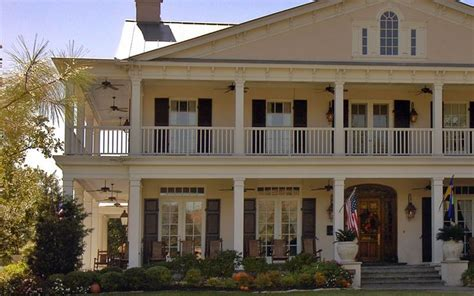 southern plantation style homes plantation home to build or not to build pinterest
