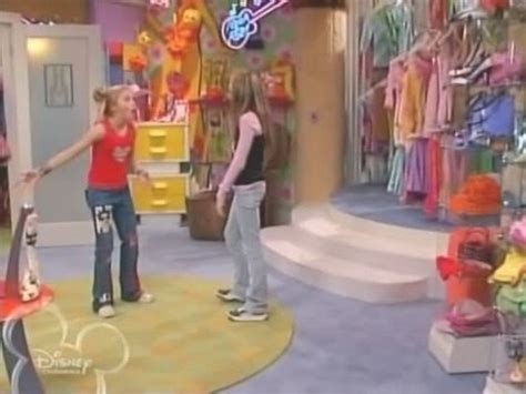 rotating closet icarly bedroom iwant a bedroom like i want one of those spinning racks in hannah montana s